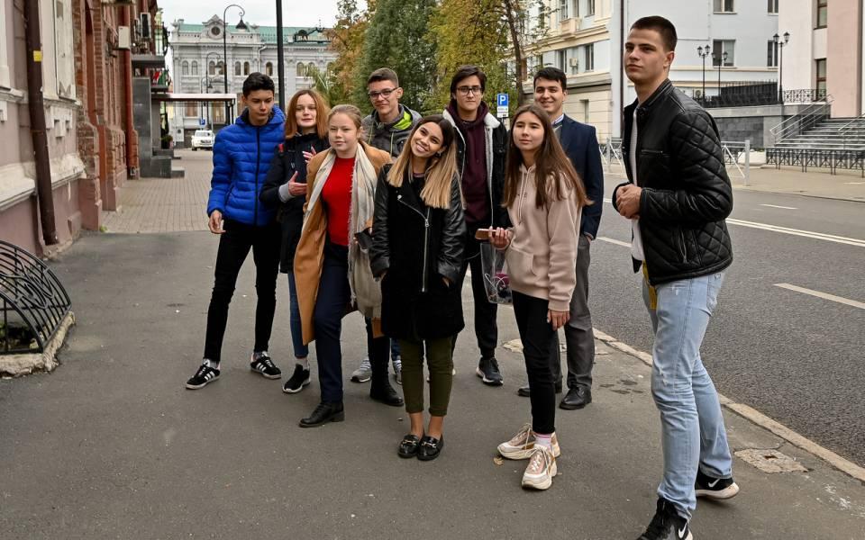 Групповое фото команды ФСПО висторическом центре Казани