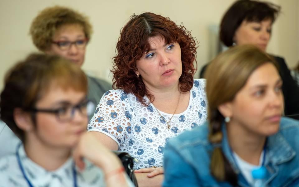 Участники программы повышения квалификации для учителей АШЮ