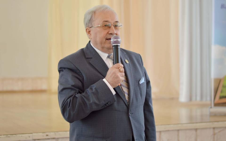 Проректор понаучной работе «ТИСБИ» приветствует участников конференции «Петровские чтения»