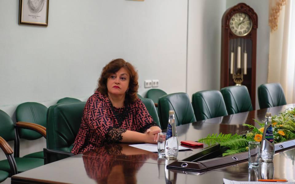 Елена Александрова навебинаре «Опыт внедрения дистанционного обучения вАссоциированных школах ЮНЕСКО вРФ»